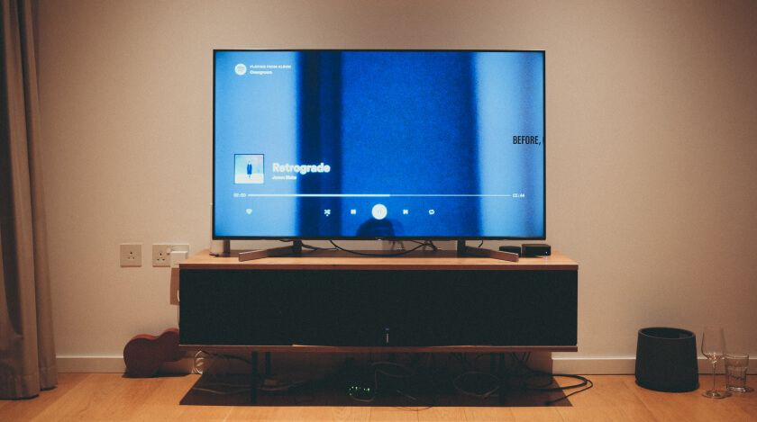 Why Does a Samsung Tv Turn On By Itself